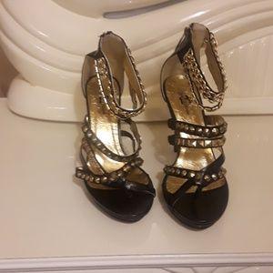NEW Apple bottom shoe